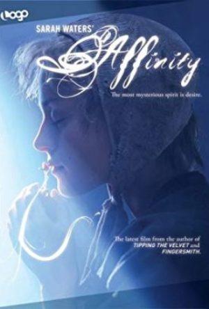 Affinity  - MV5BMTcxMDEyNzExN15BMl5BanBnXkFtZTcwOTA0OTE5MQ   - Filmy z roku 2000 – 2009