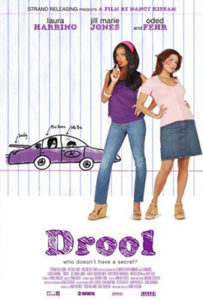 - film Drool 000 203x300 - Titulky – FILMY – CZ titulky 2